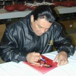 Roberto Duran signing for National Sports Distributors