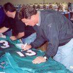 Dan Marino signing jerseys for NSD